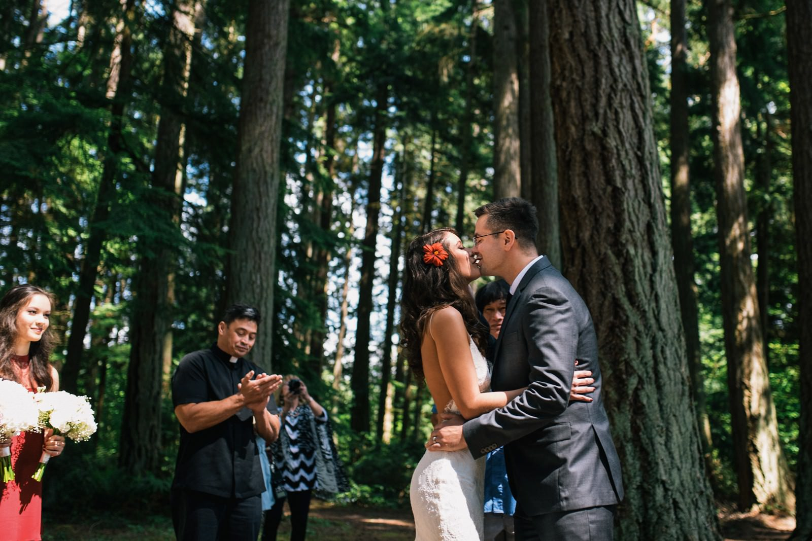 seattle-wedding-photographers-kitsap-memorial-state-park-wedding-26